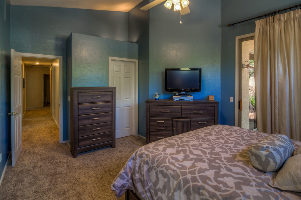 29 Master Bedroom photo b.jpg