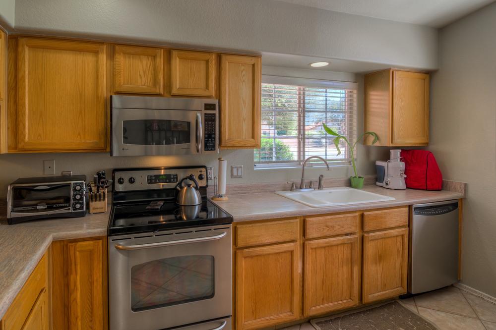 16 Kitchen photo c.jpg