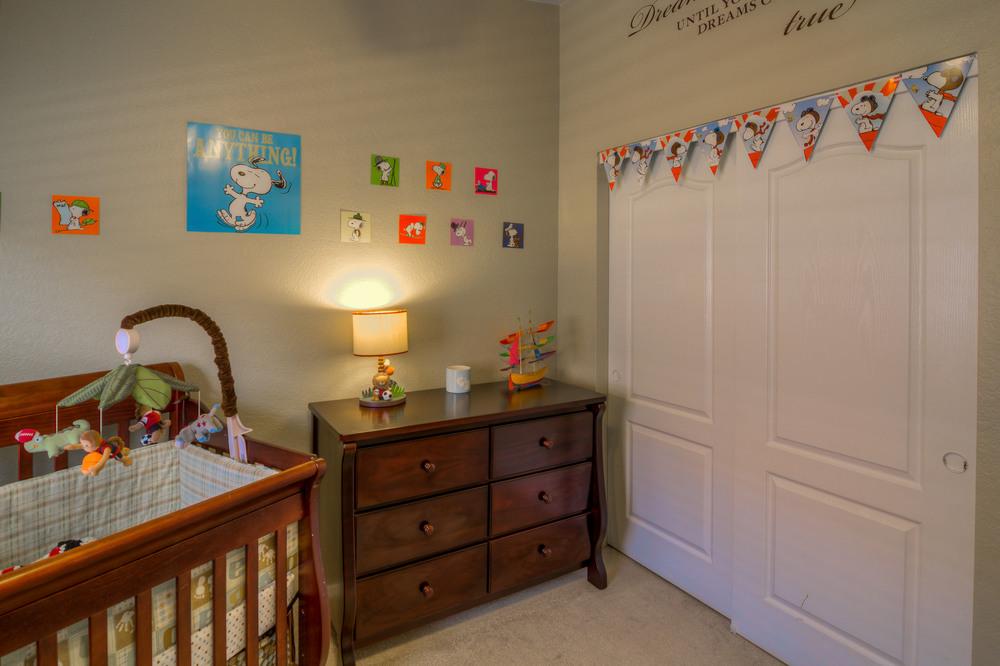 23 Bedroomm 2 photo d.jpg