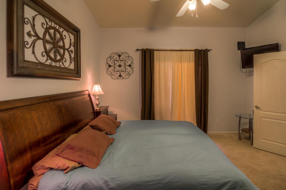 34 Master Bedroom photo e.jpg