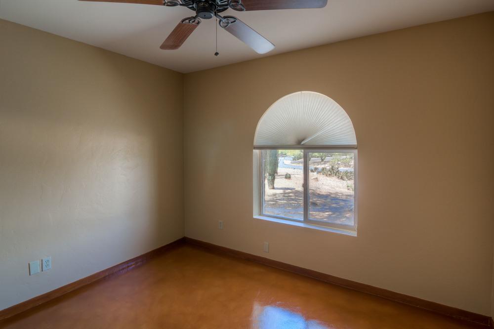 27 Bedroom 1 photo b.jpg
