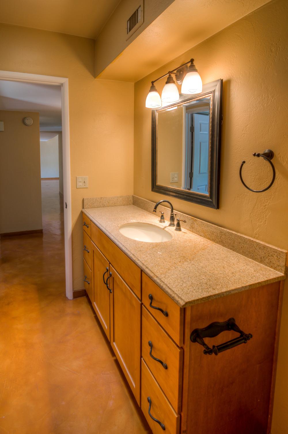35 Bathroom photo b.jpg
