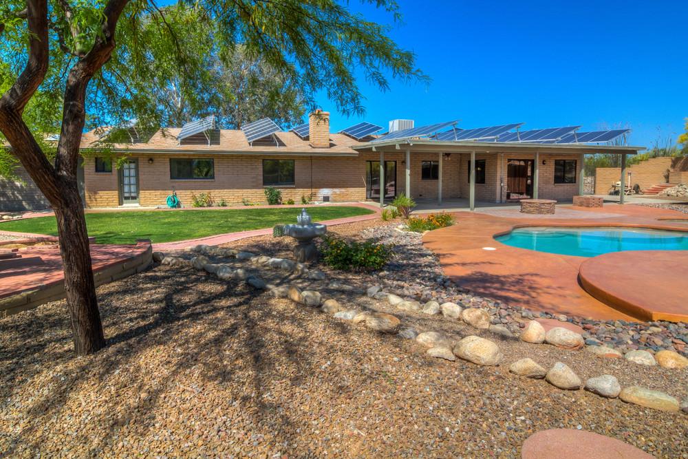48 Backyard photo b.jpg