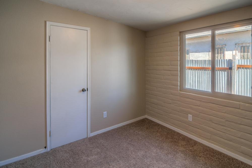 17 Bedroom 1 photo c.jpg