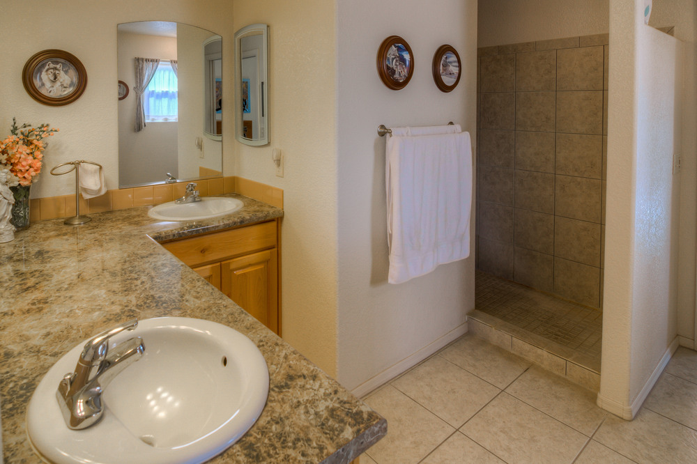 25 Master Bathroom photo a.jpg