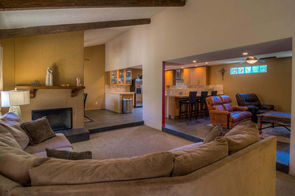 10 Living Room photo b.jpg