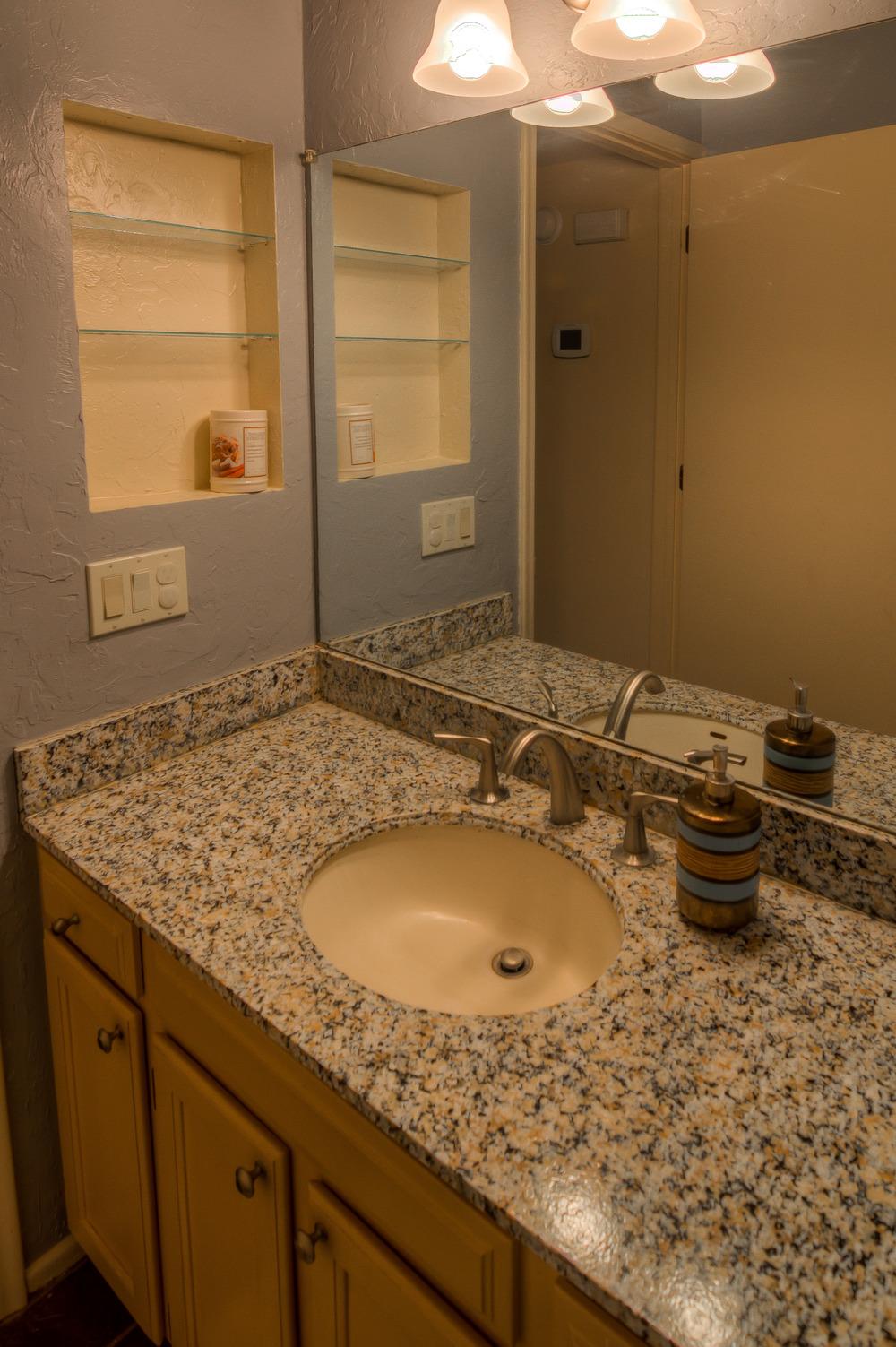25 Downstaris Bathroom photo b.jpg