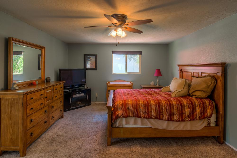 30 Master Bedroom photo e.jpg
