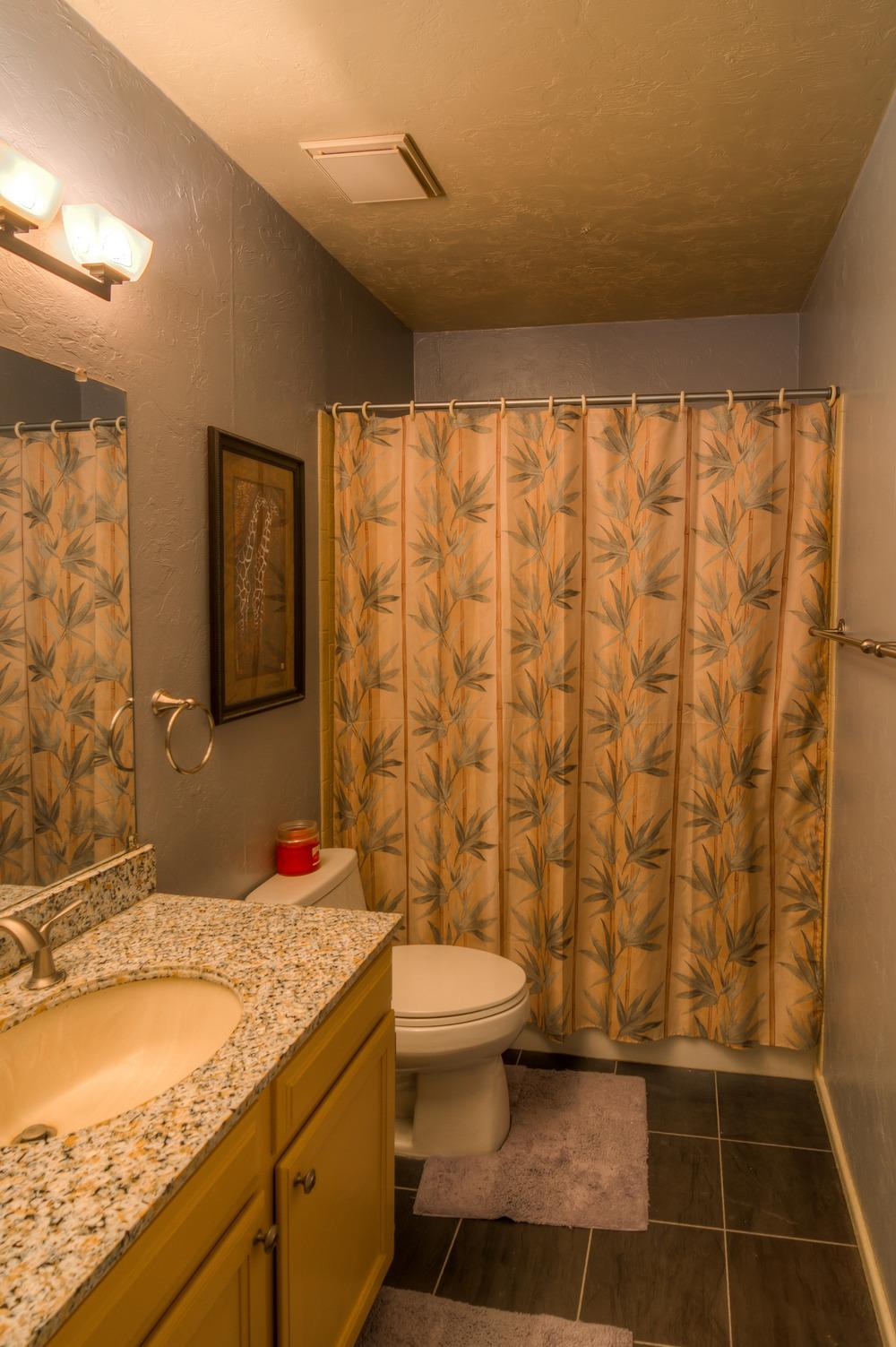 37 Upstairs Bathroom.jpg