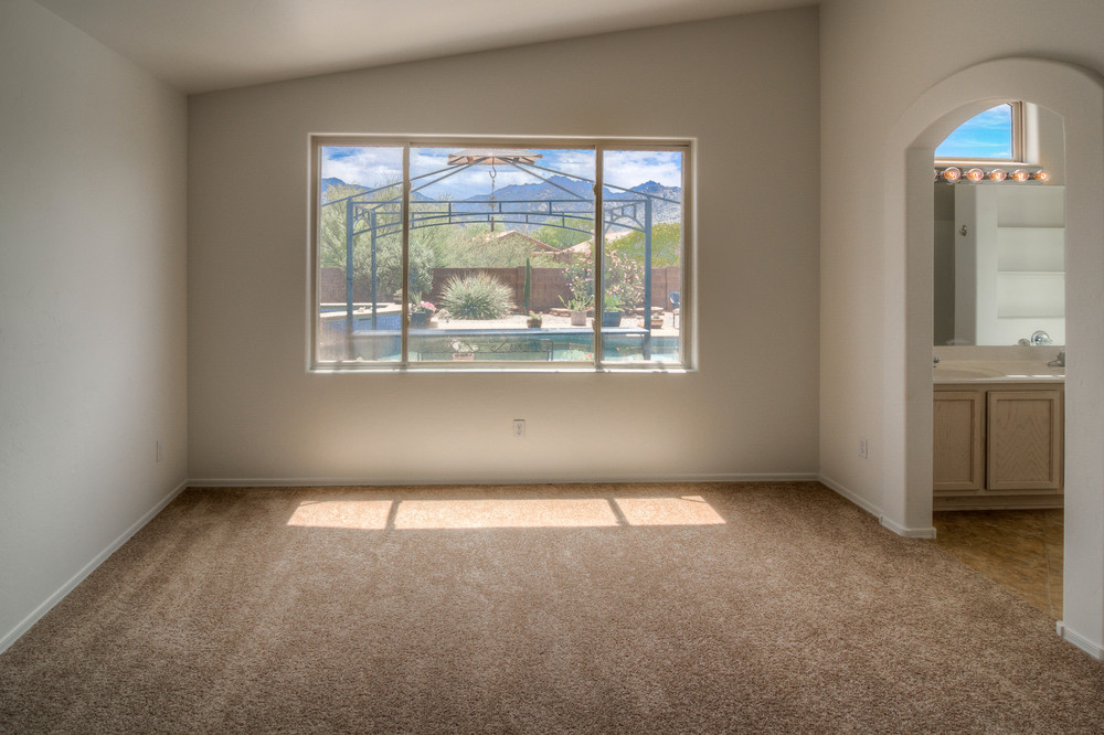 24 Master Bedroom photo f.jpg