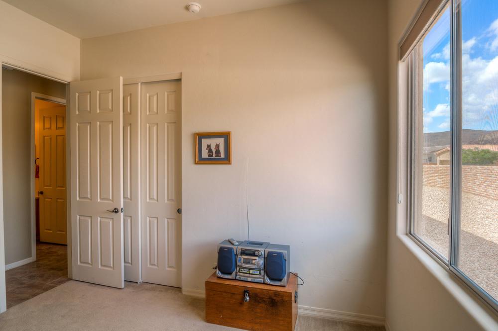 41 Bedroom 2.jpg