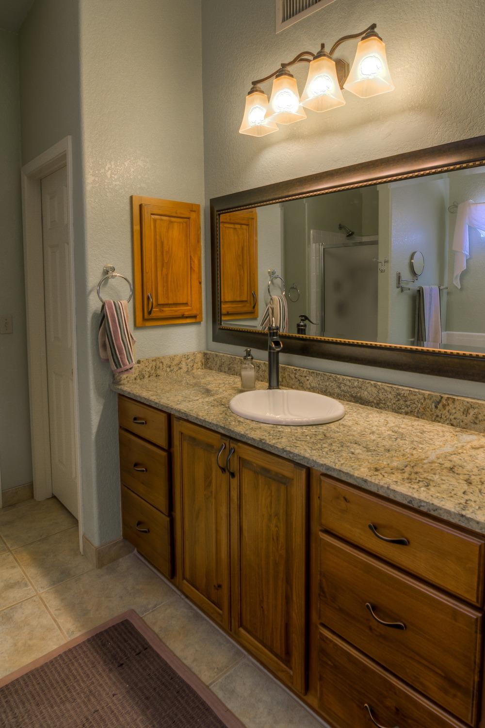 17 Master Bath photo a.jpg