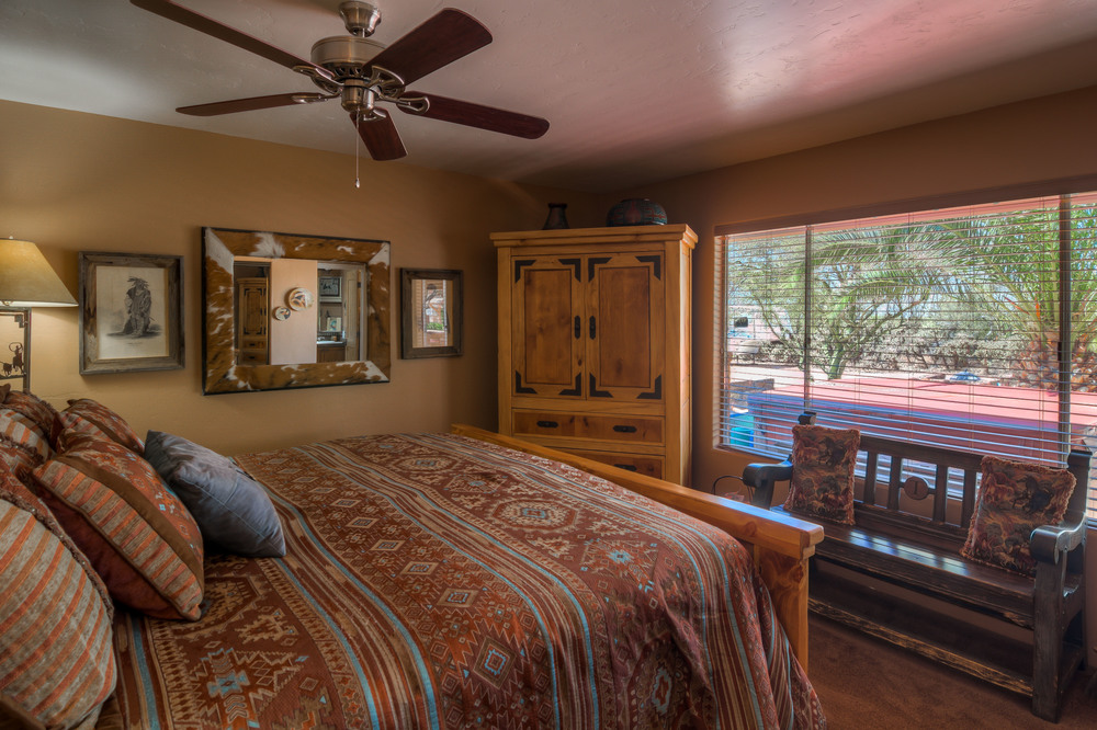 34 Master Bedroom photo a.jpg