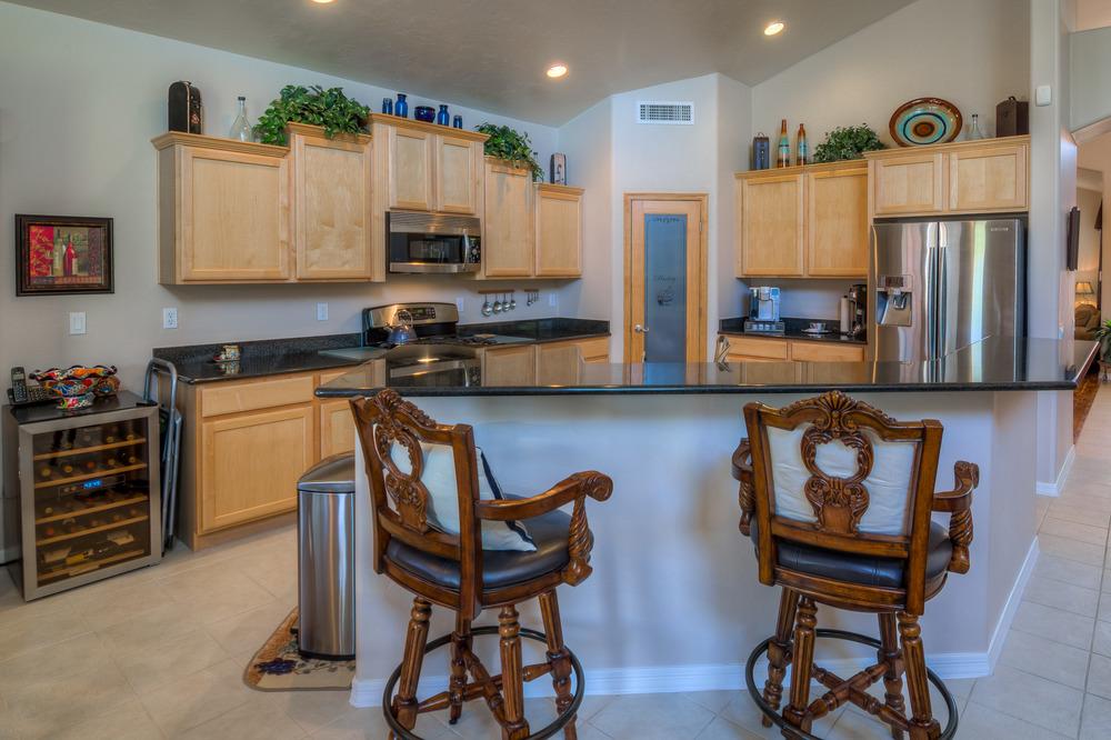 17 Kitchen photo c.jpg