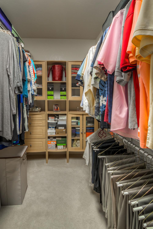 29 Master Closet photo b.jpg