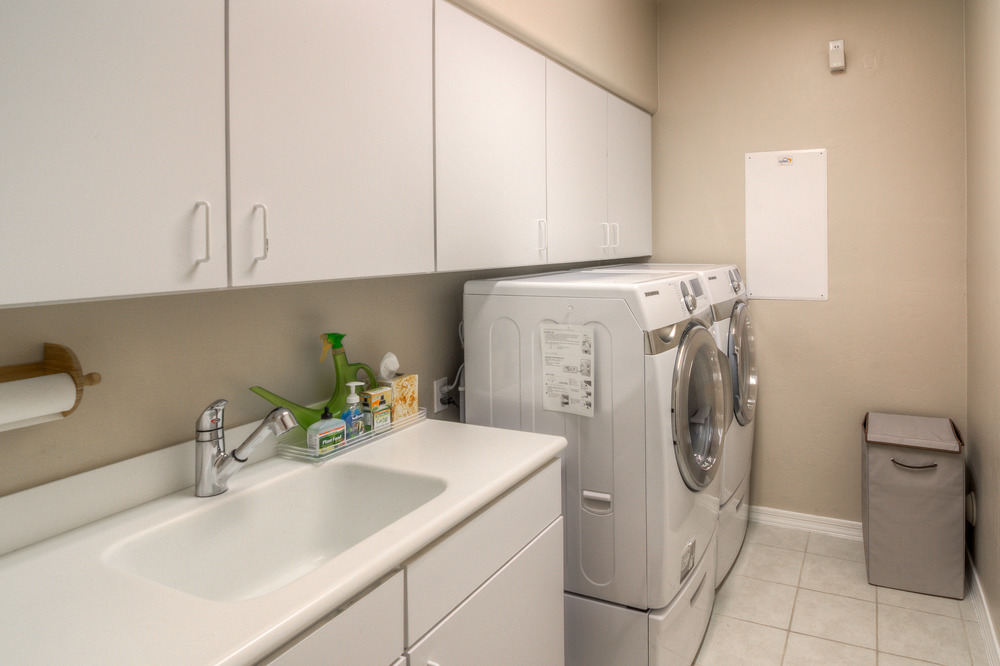 31 Laundry Room.jpg