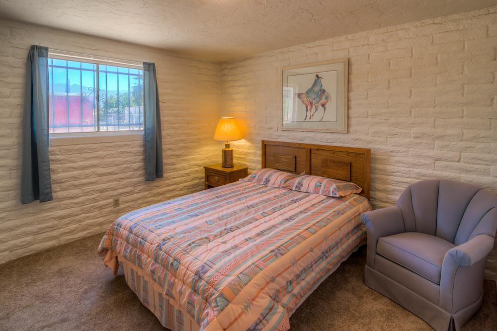 23 Bedroom 1 photo d.jpg
