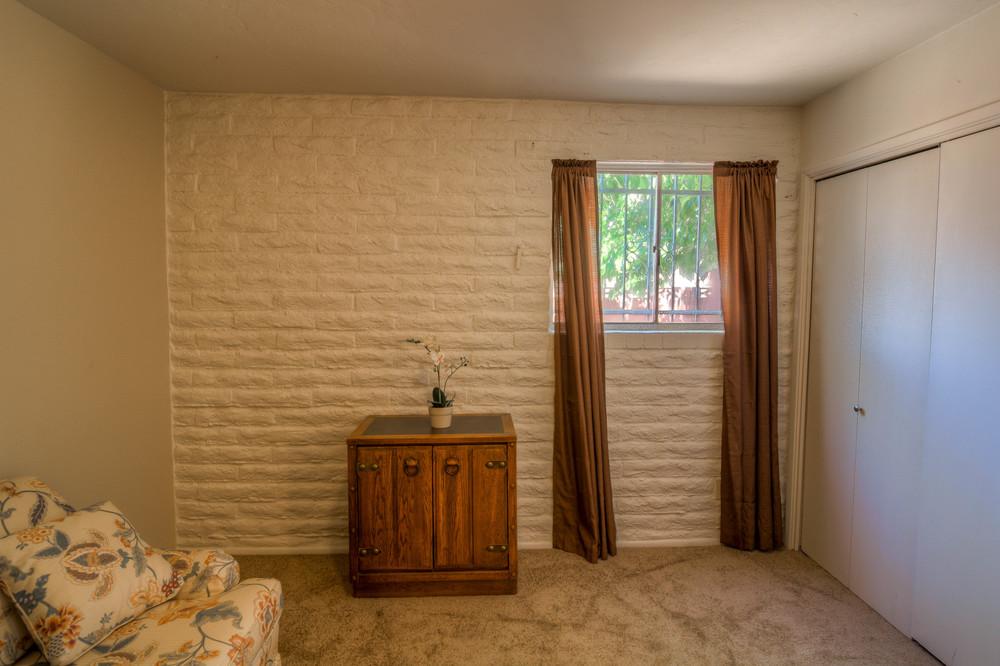 29 Bedroom 3 photo d.jpg