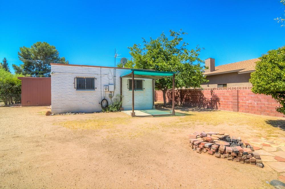 32 Backyard photo c.jpg