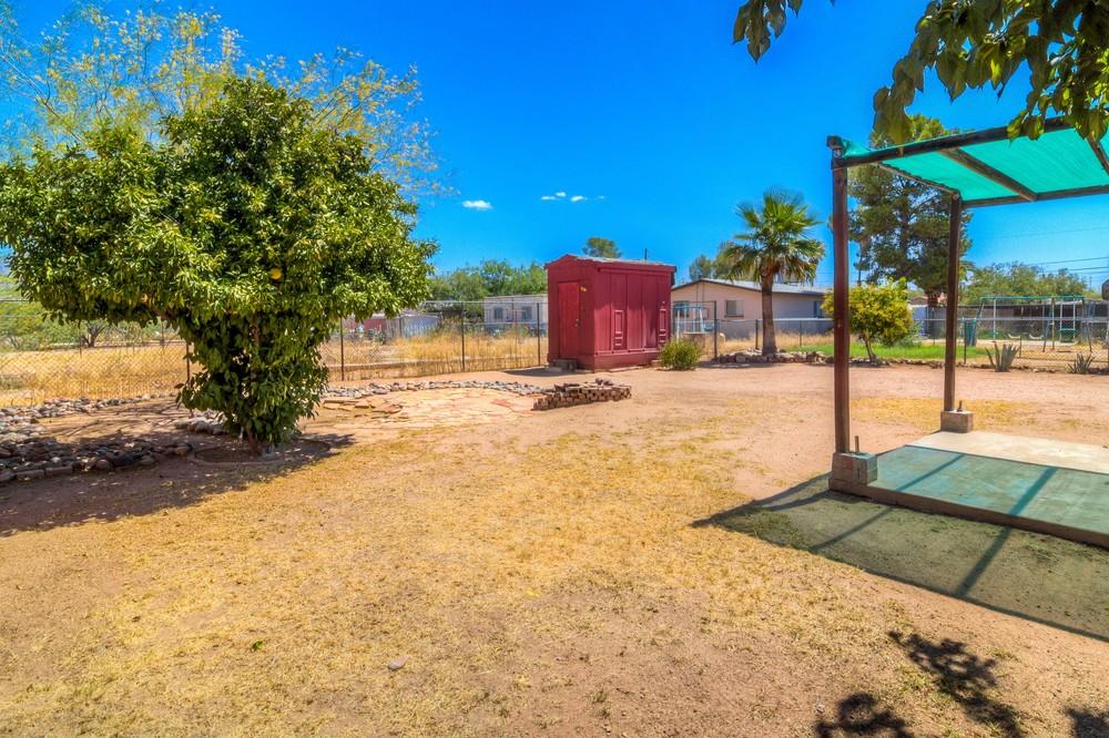 35 Backyard photo f.jpg