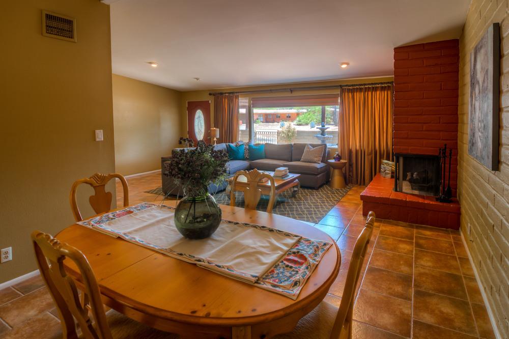 14 Dining Room photo d.jpg