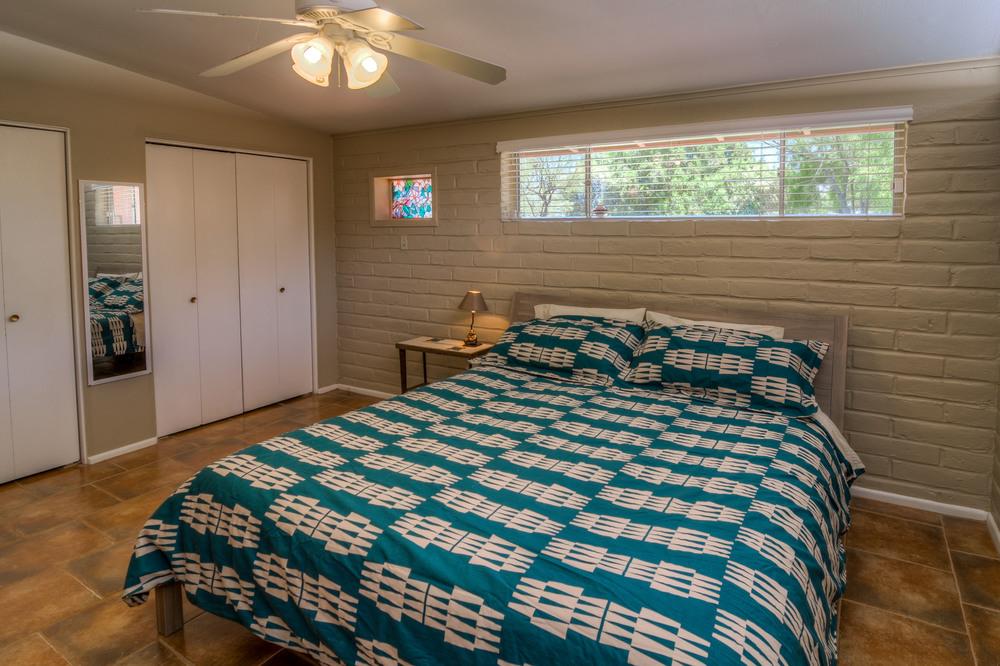 25 Master Bedroom photo d.jpg