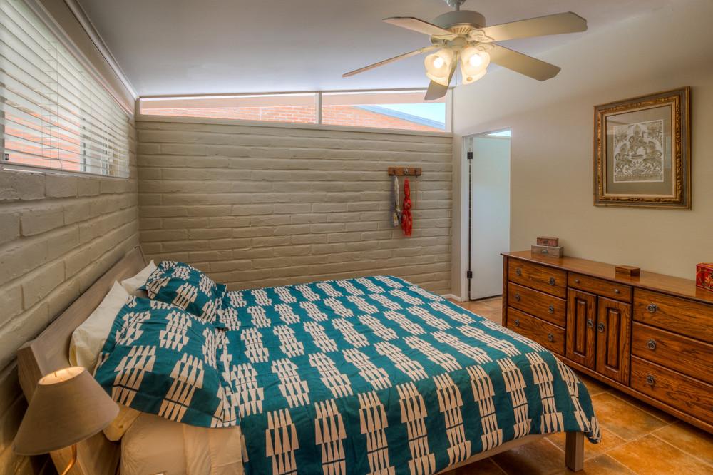 27 Master Bedroom photo f.jpg