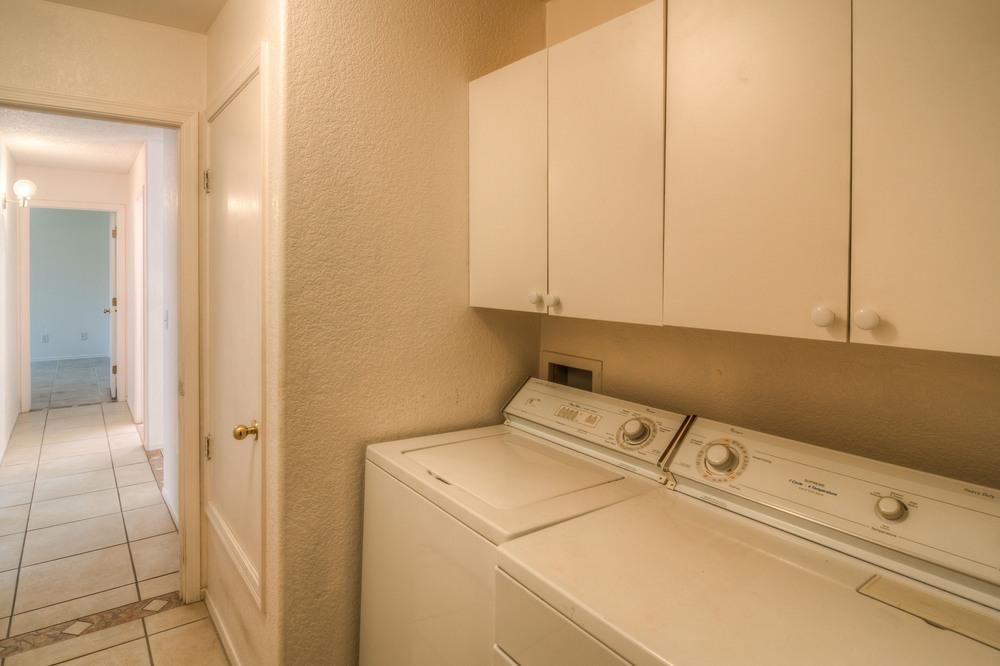 39 Laundry Room photo a.jpg