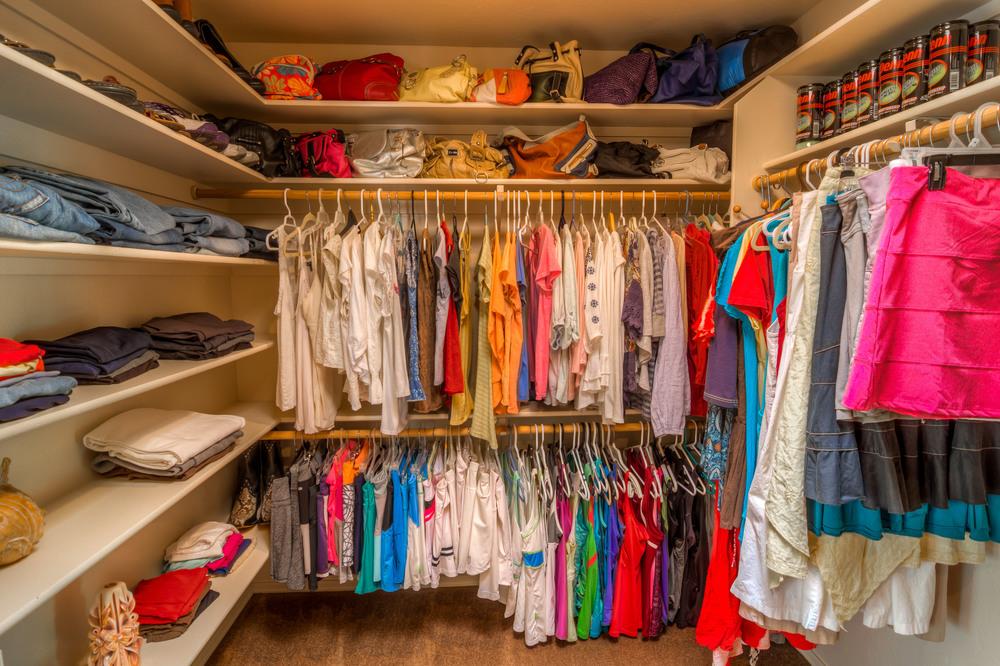 38 Master Closet photo b.jpg