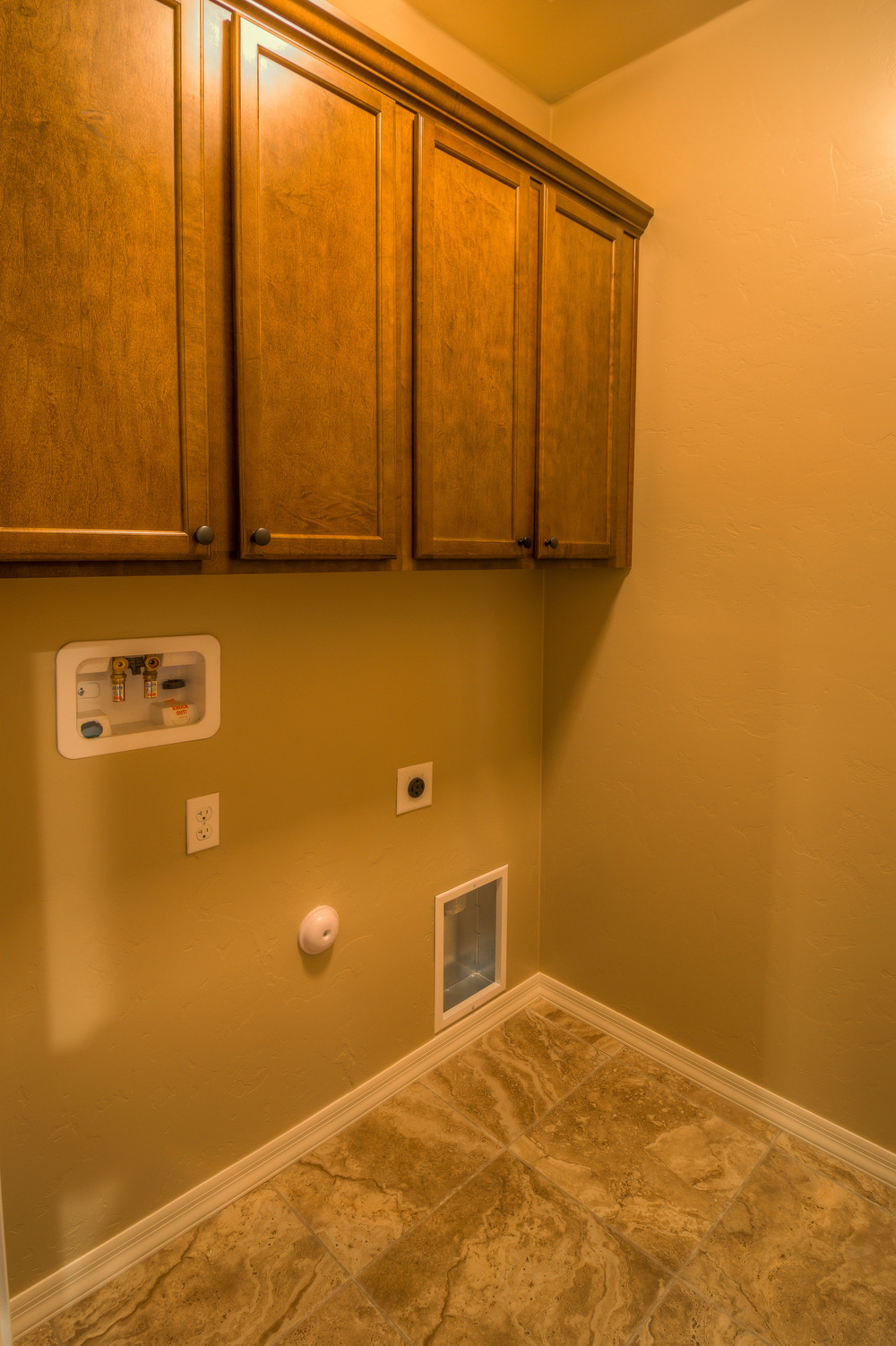 16 Laundry Room photo a.jpg