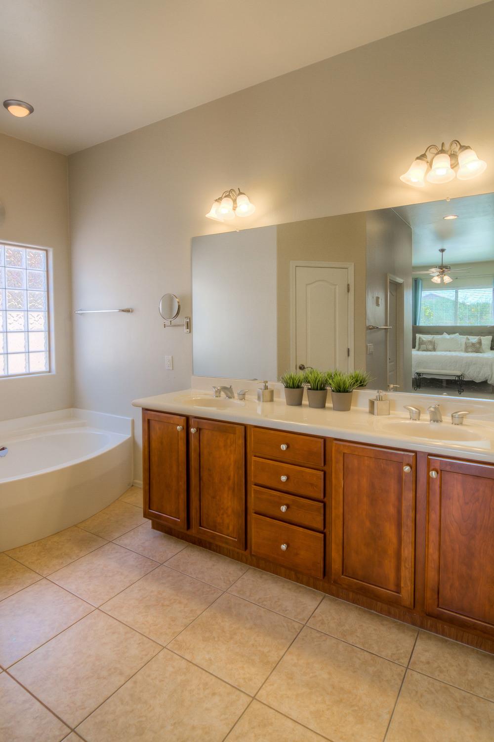 42 Master Bath photo b.jpg