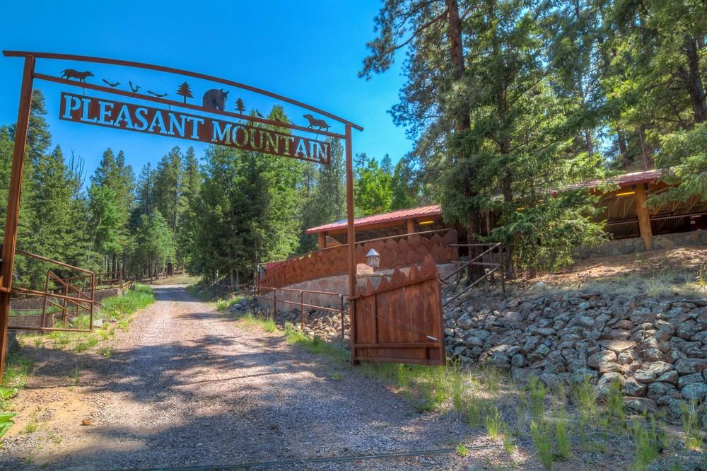 1 Pleasant Mountain sign.jpg
