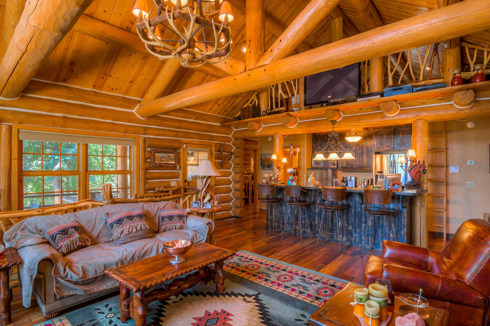 23 Living Room photo f.jpg