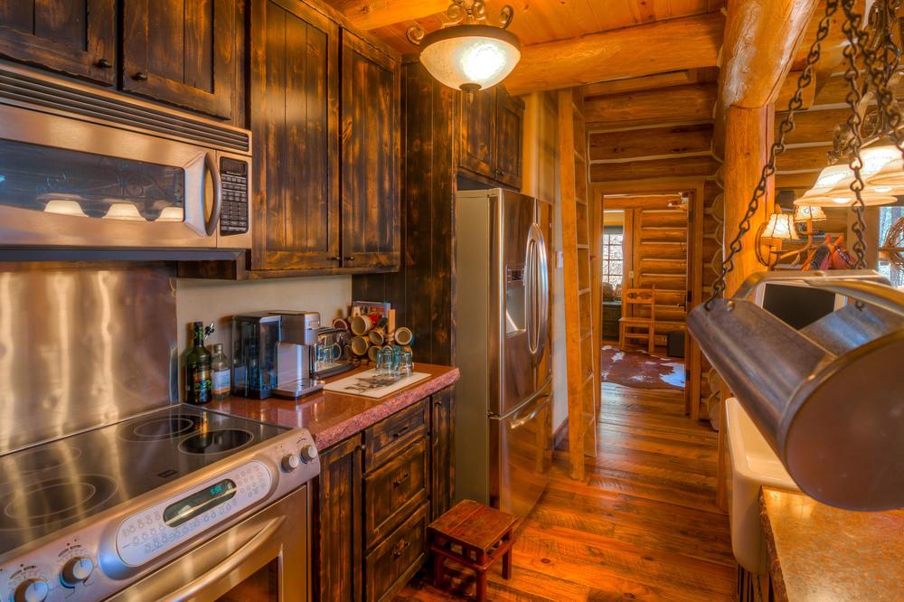 28 Kitchen photo c.jpg