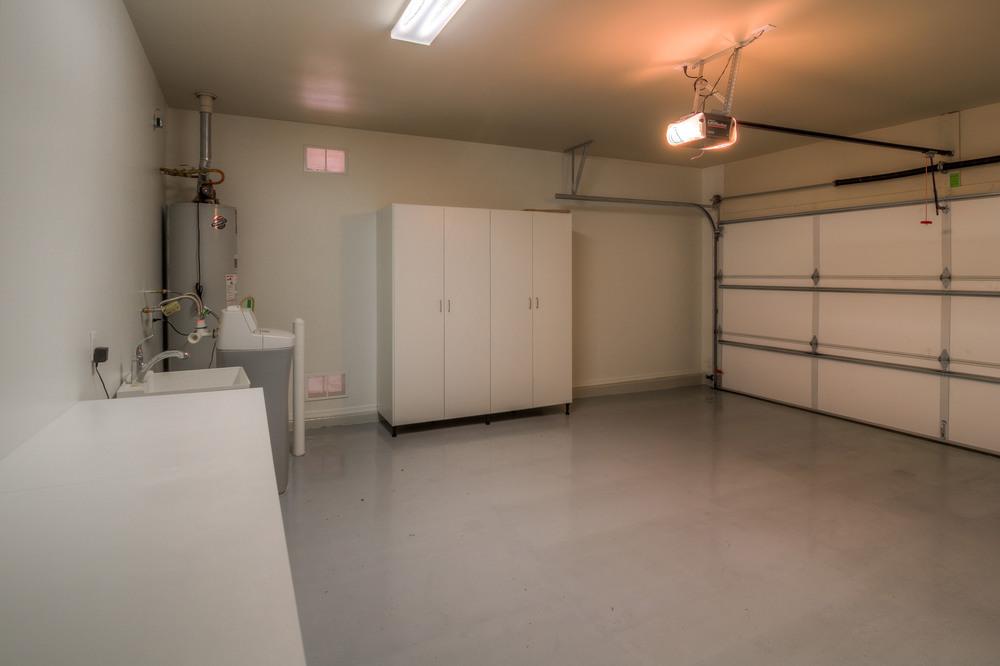 44 Garage photo a.jpg
