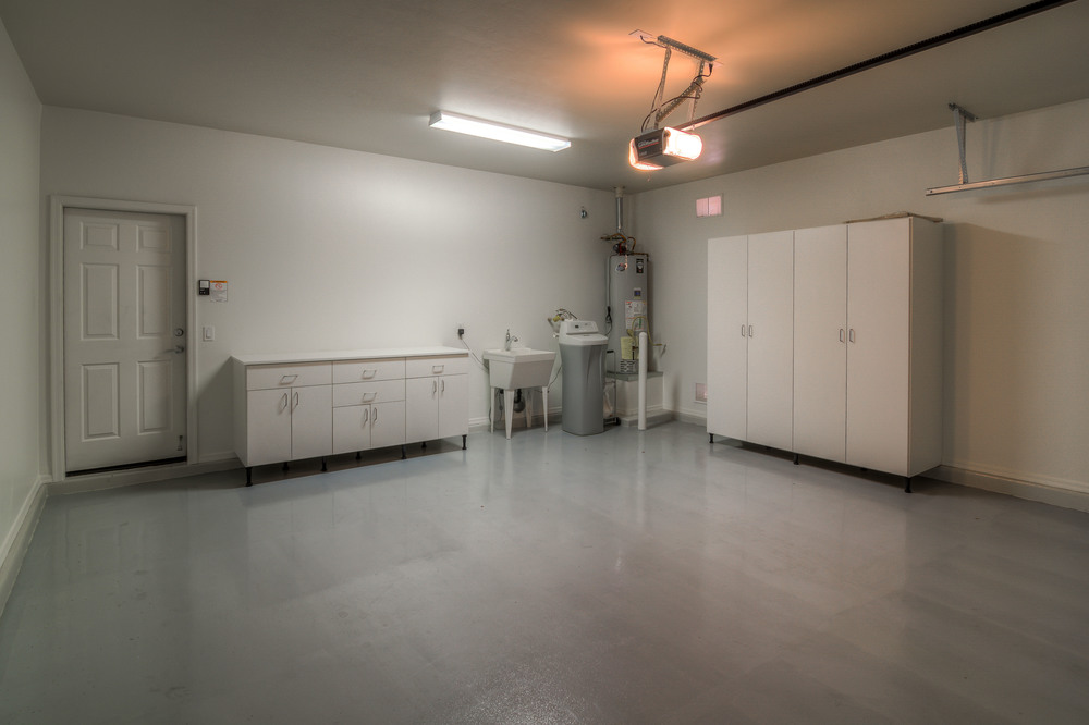 45 Garage photo b.jpg