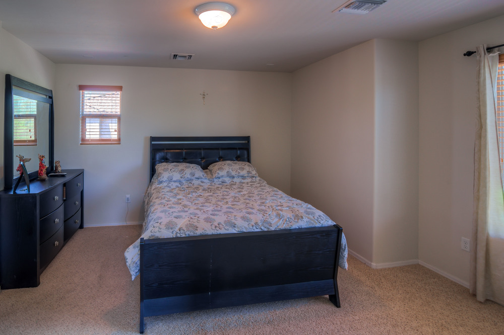 24 Master Bedroom photo a.jpg
