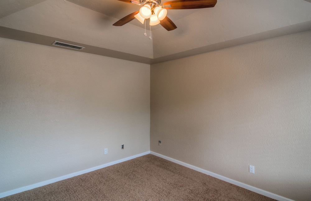 18 Master Bedroom photo b.jpg