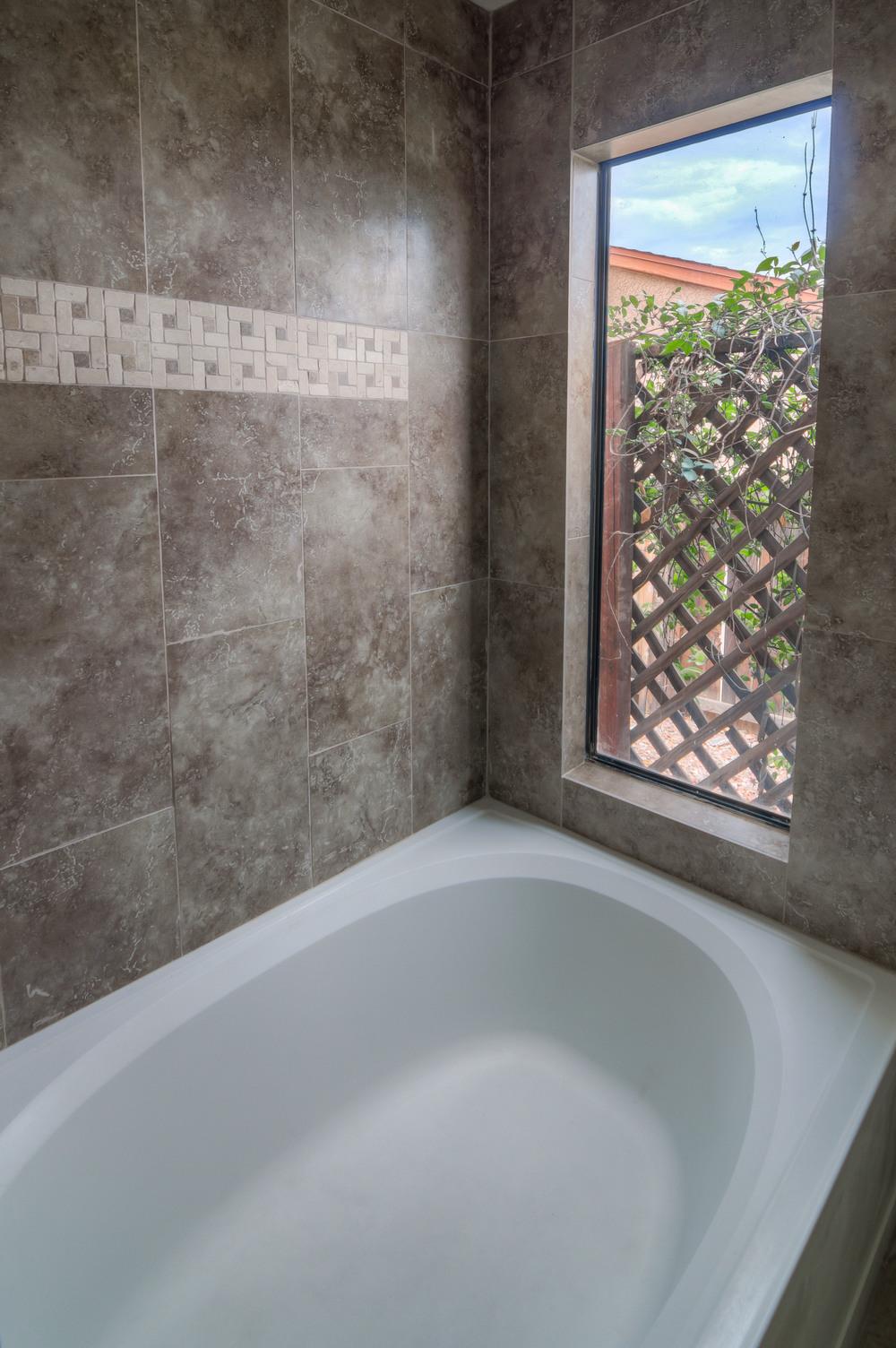 23 Master Bath photo b.jpg