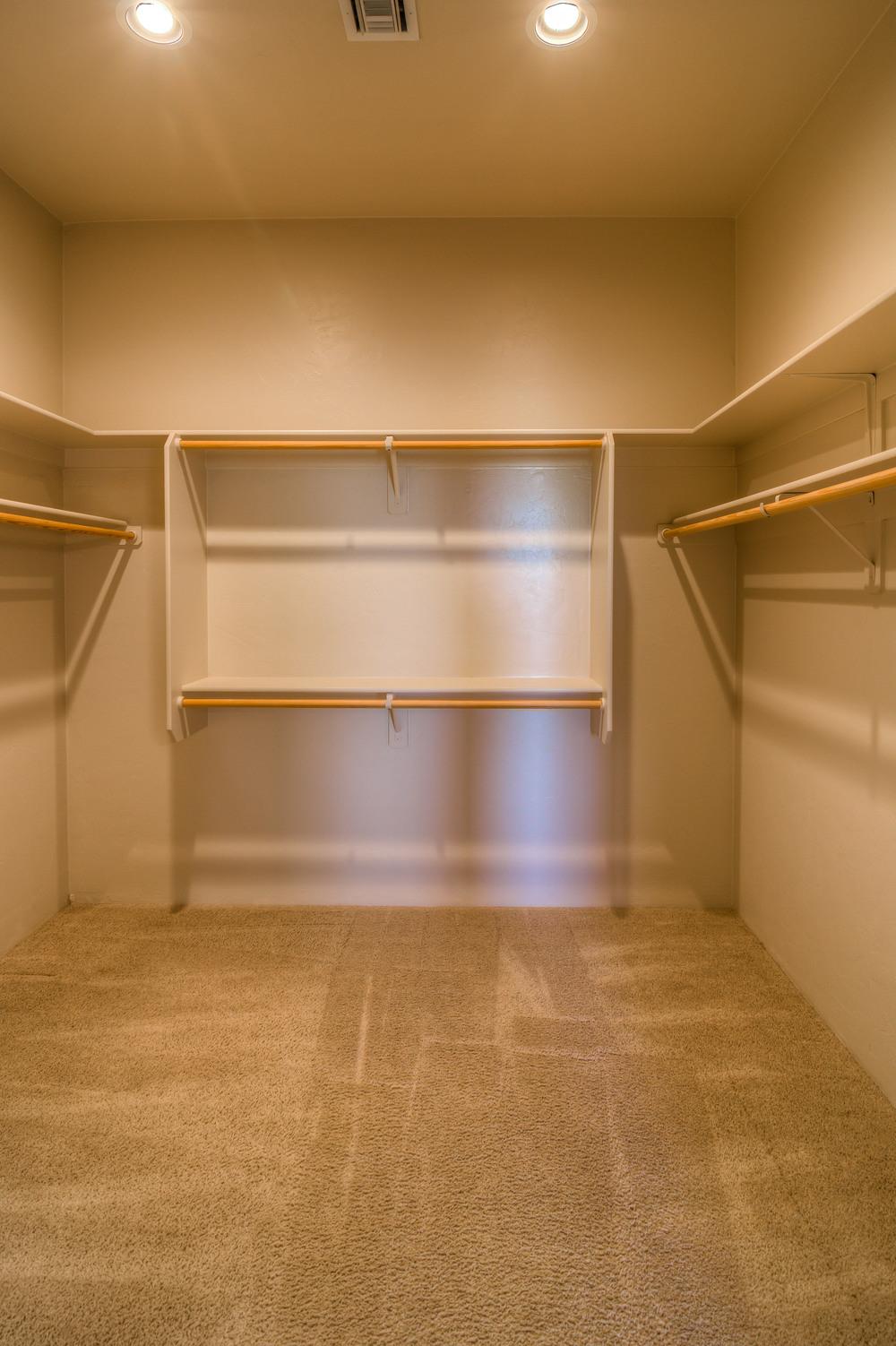 29 Master Closet.jpg