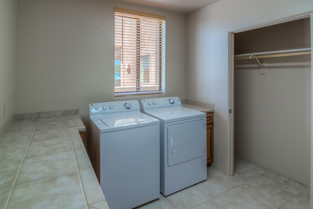 34 Laundry Room photo b.jpg