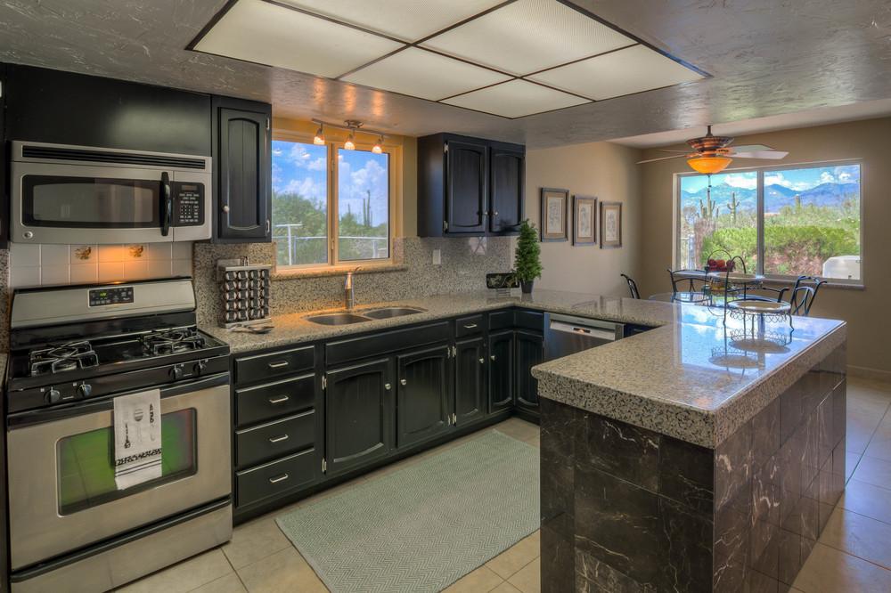 20 Kitchen photo a.jpg