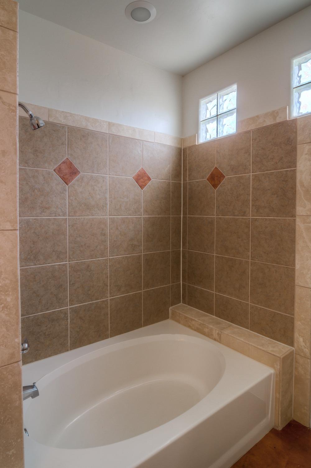 15 Bathroom photo b.jpg