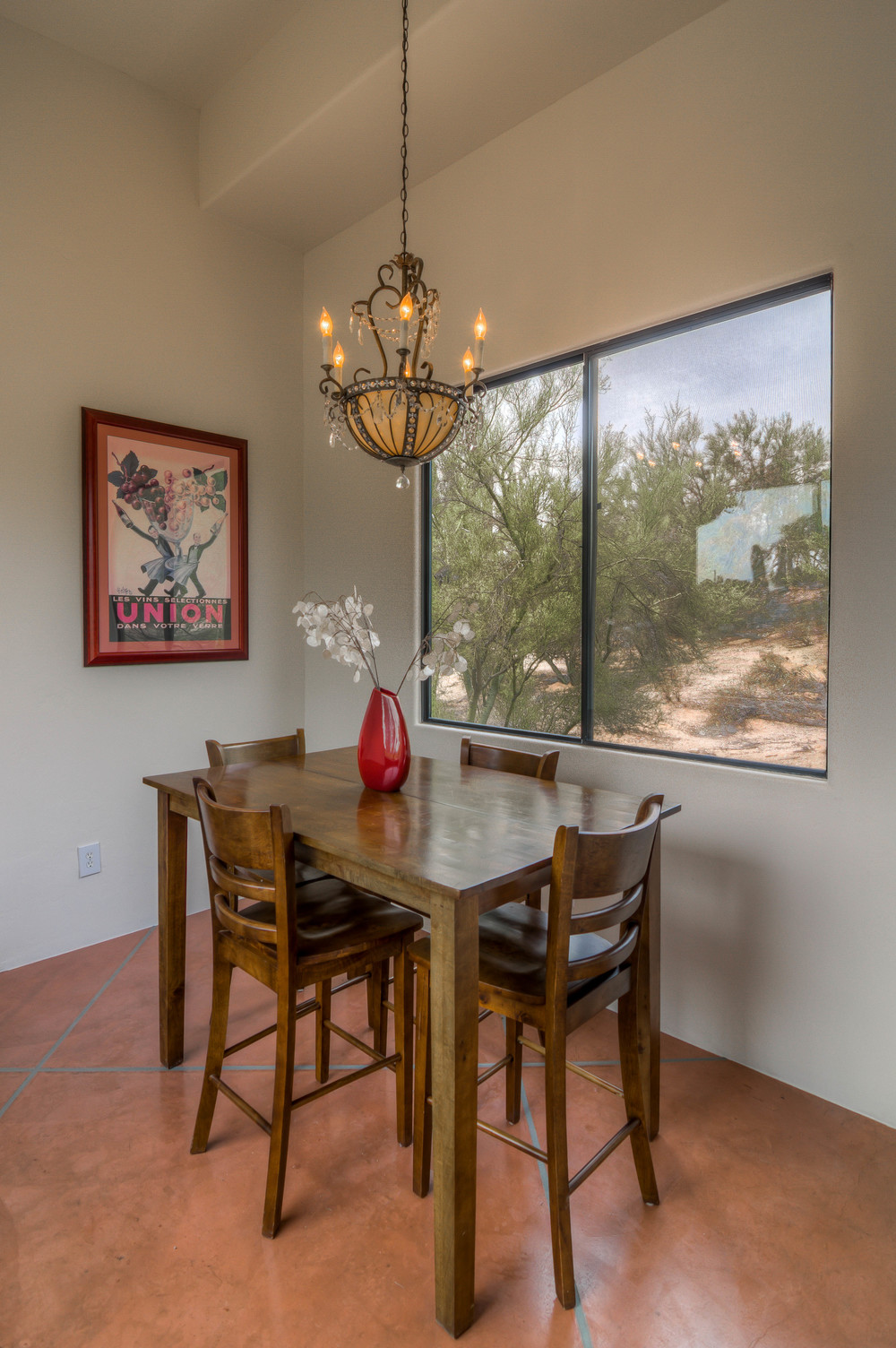 21 Dining Room photo b.jpg