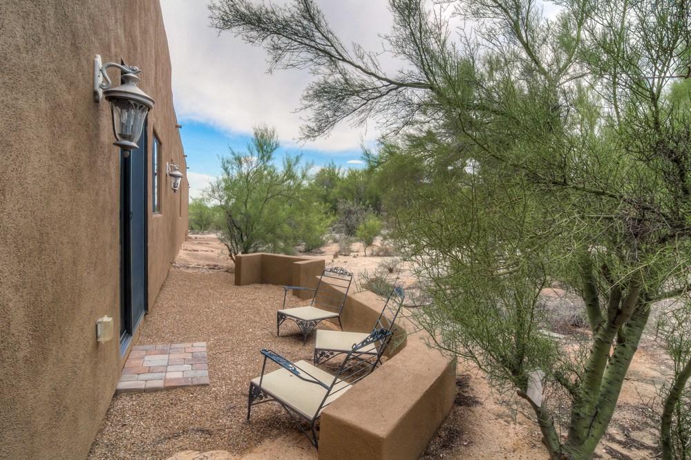 34 Backyard photo c.jpg
