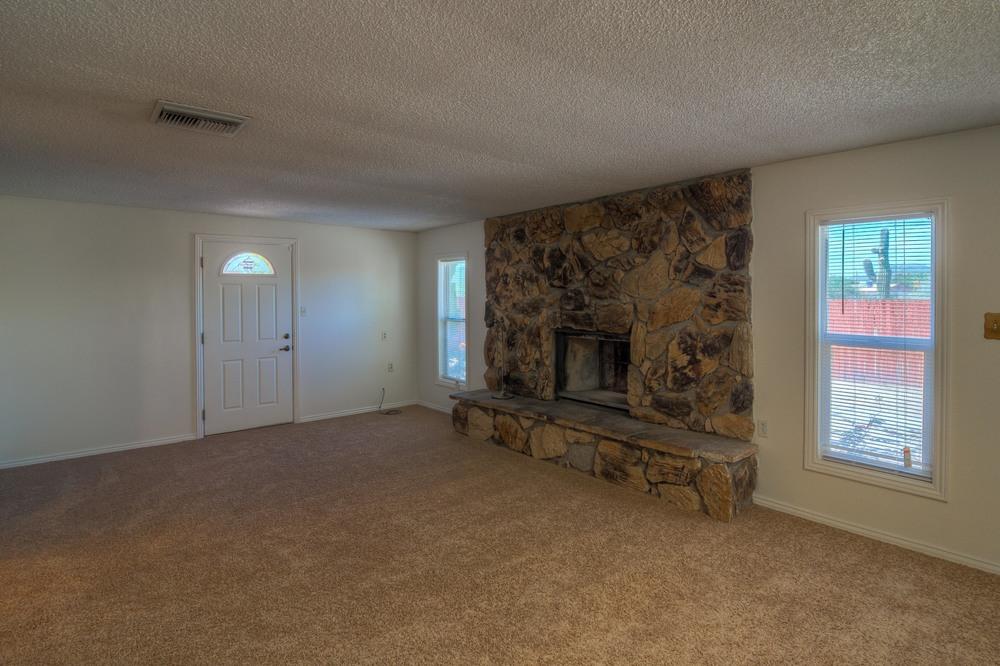 16 Family Room photo a.jpg
