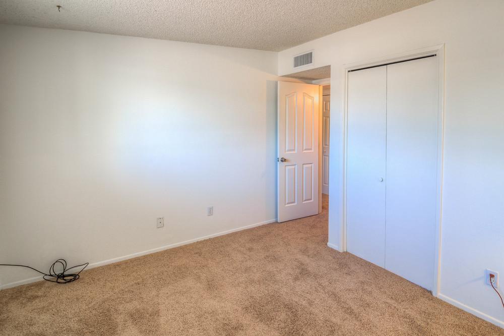 25 Bedroom 2 photo c.jpg