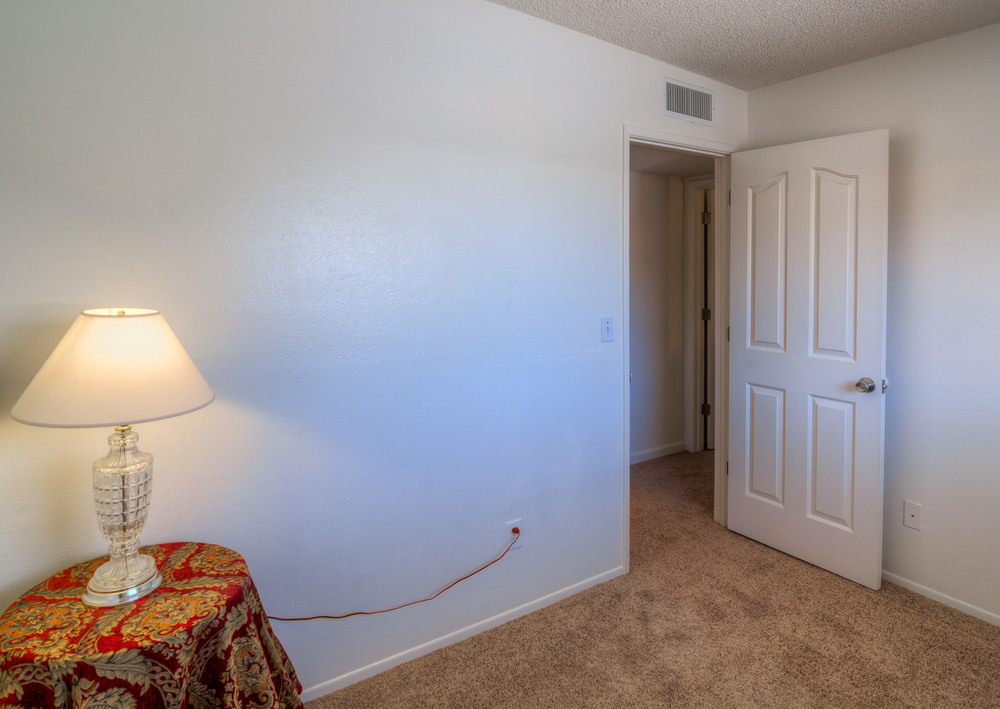 27 Bedroom 3 photo b.jpg