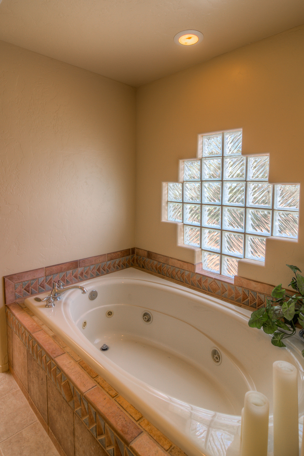 20 Master Bath photo c.jpg