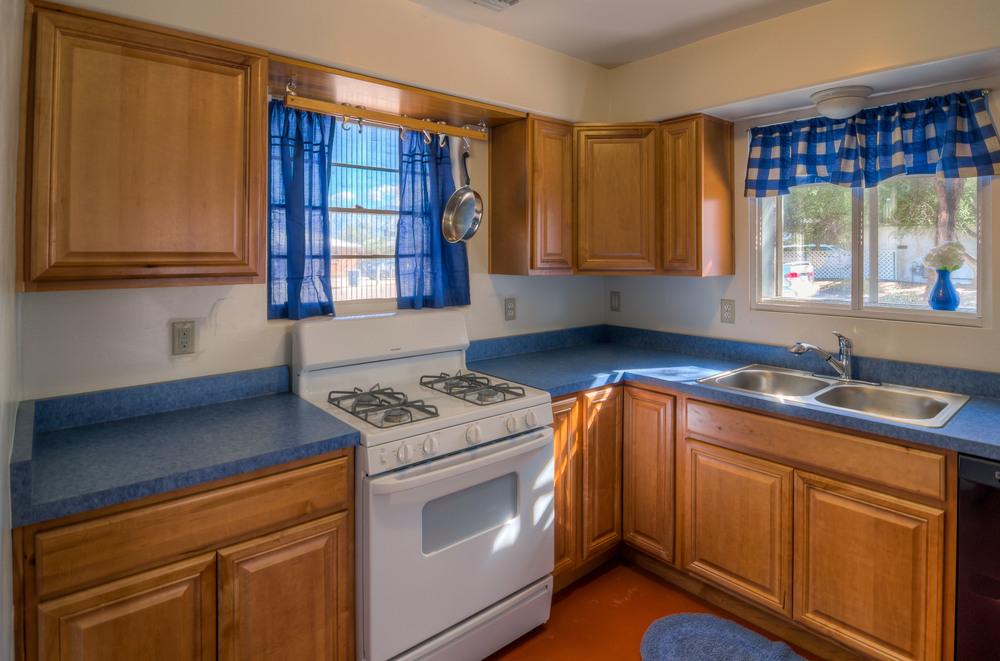 13 Kitchen photo a.jpg